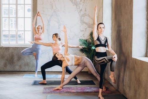 girl-yoga